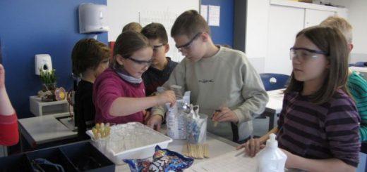 Kinderuni-Chemielabor